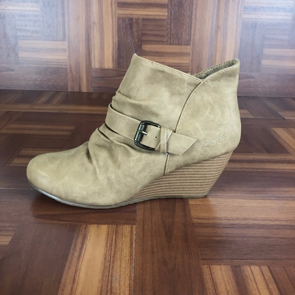 Blowfish Shoes - BLOWFISH MALIBU Tan Slouchy Wedge Ankle Booties